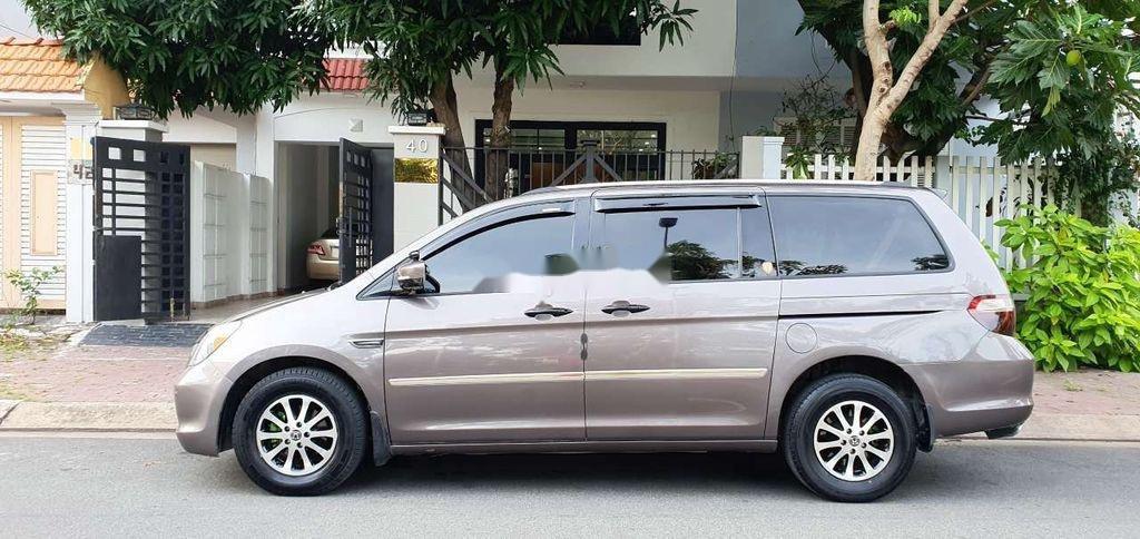 Cần bán gấp Honda Odyssey sản xuất 2005, nhập khẩu còn mới (4)