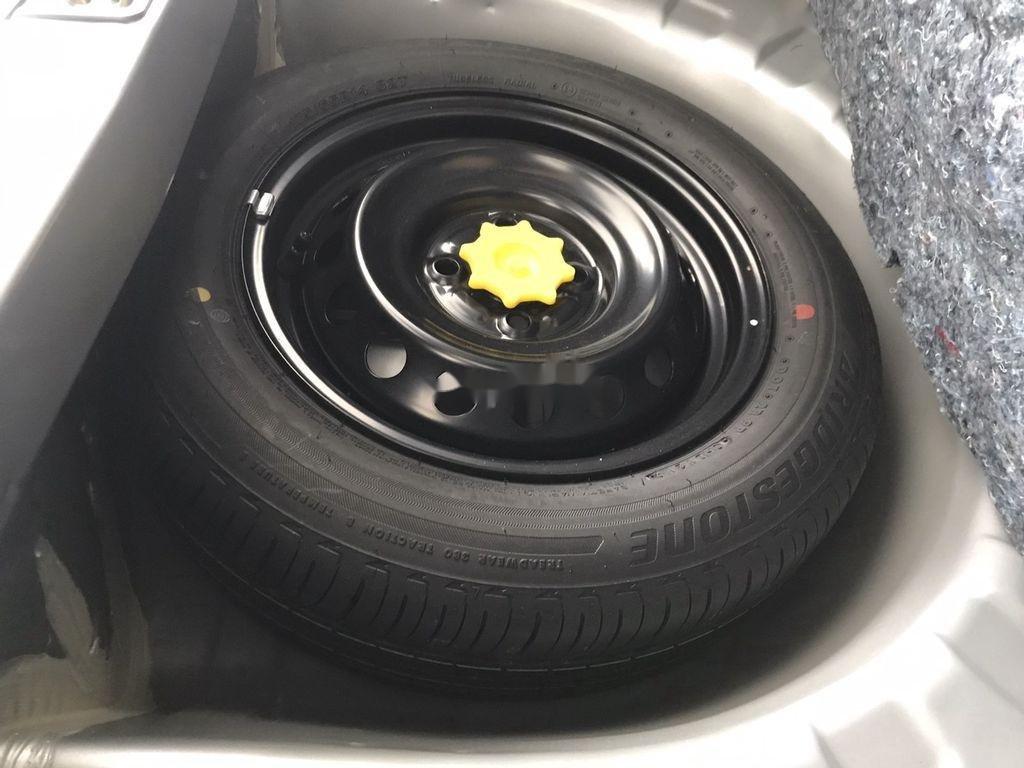 Bán Toyota Wigo sản xuất năm 2019, màu bạc (9)
