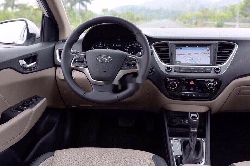 Cần bán xe Hyundai Accent năm sản xuất 2020 giá cạnh tranh (10)