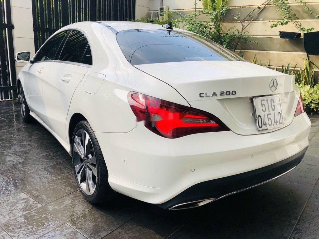 Bán Mercedes GLA 200 năm 2018, màu trắng, nhập khẩu   (3)