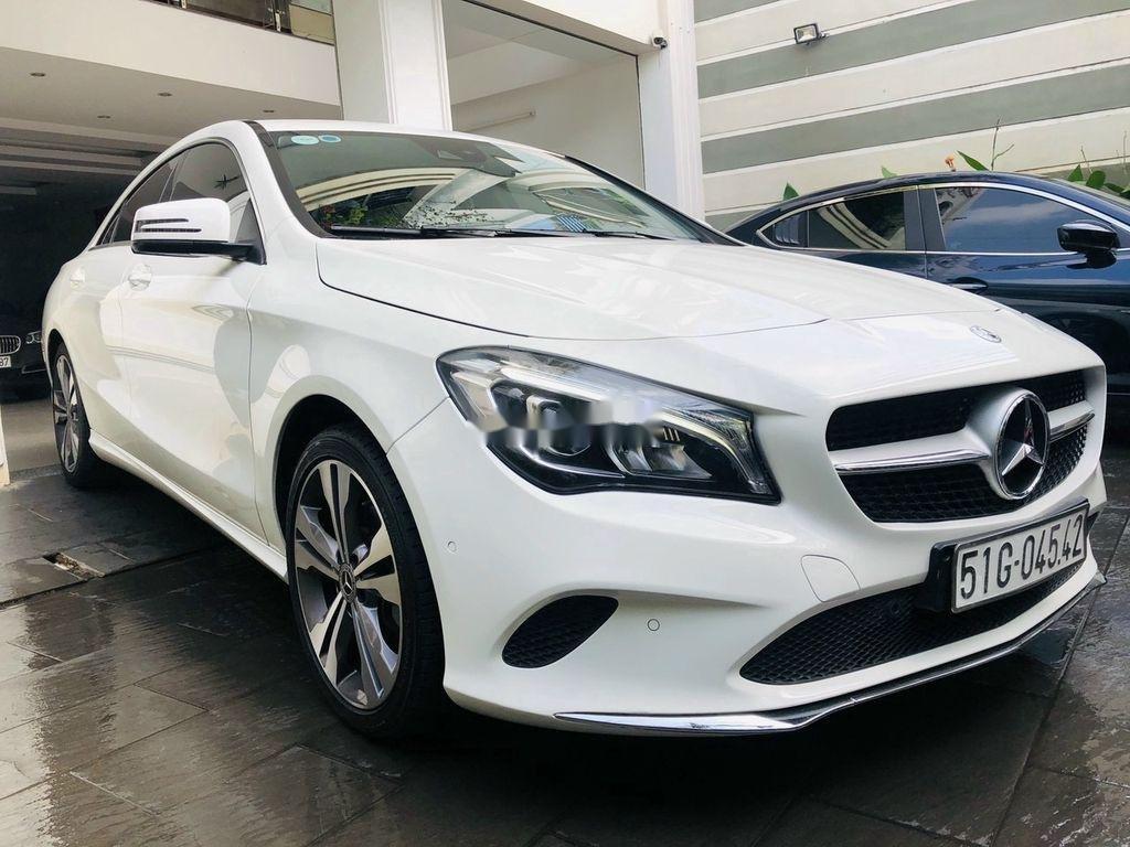 Bán Mercedes GLA 200 năm 2018, màu trắng, nhập khẩu   (1)