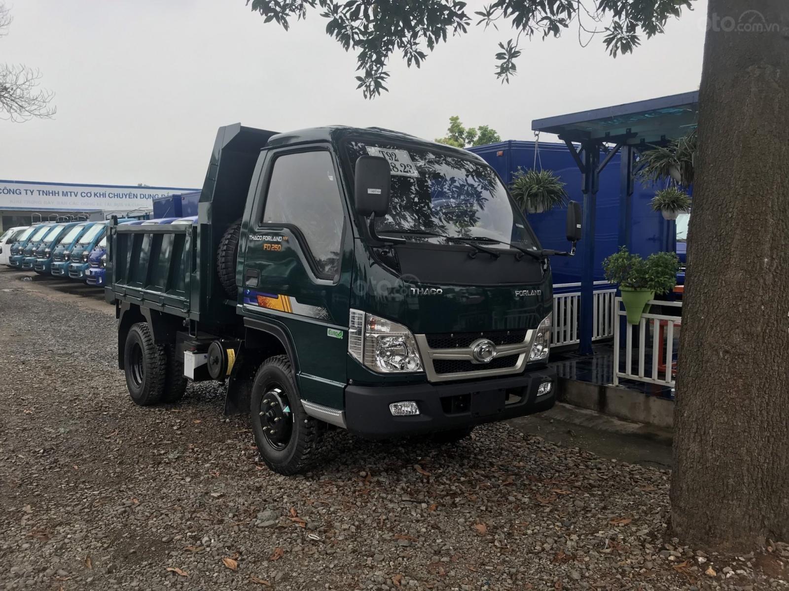 Giá bán xe ben Thaco FD250. E4 tải trọng 2.5 tấn Trường Hải thùng 2.1m3 tại Hà Nội (2)