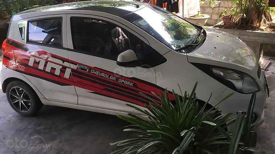 Xe Chevrolet Spark đời 2015, màu trắng còn mới  (2)