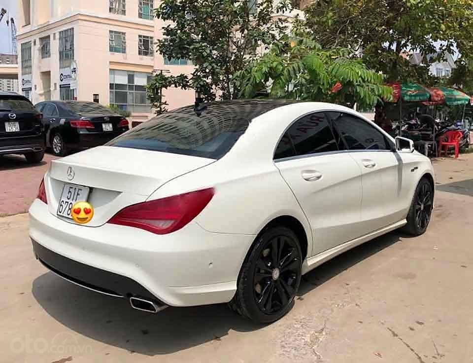 Bán Mercedes đời 2016, màu trắng, xe nhập còn mới (2)
