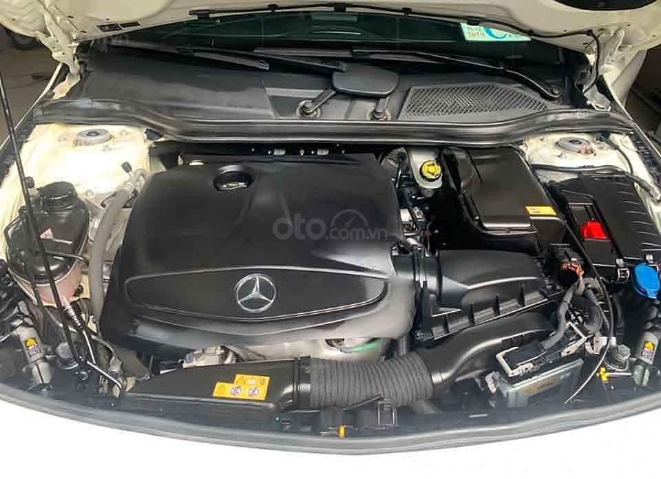 Bán Mercedes đời 2016, màu trắng, xe nhập còn mới (4)