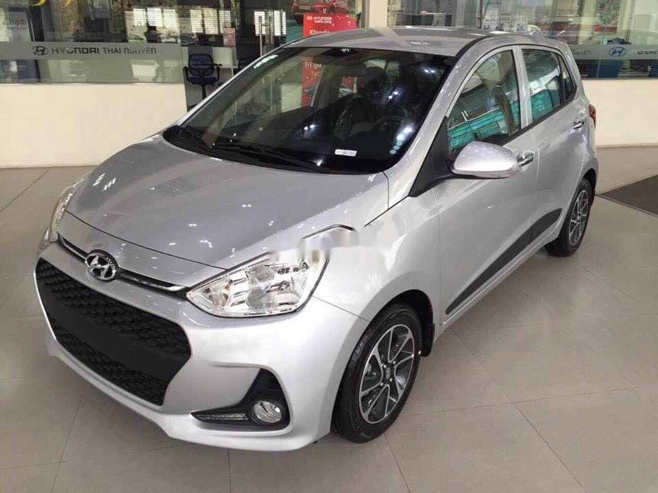 Bán Hyundai Grand i10 2019, màu bạc (4)