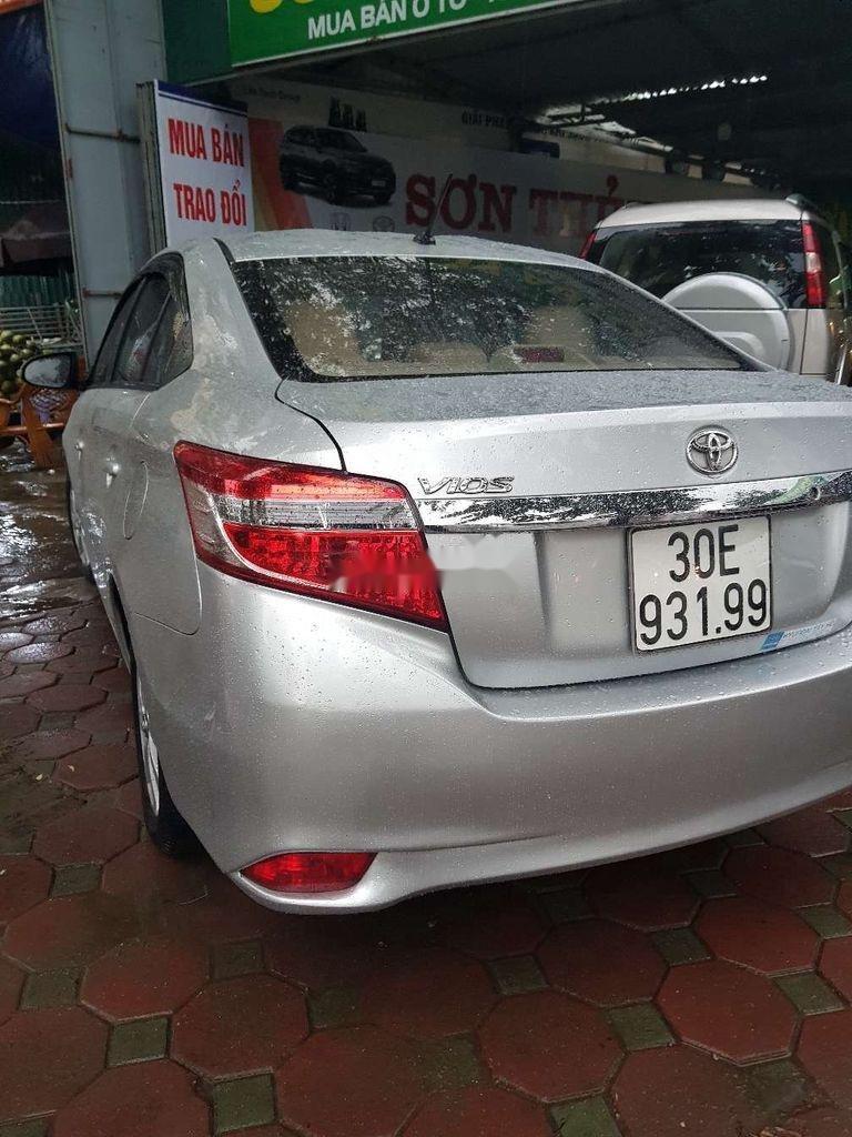 Bán xe Toyota Vios năm sản xuất 2017, màu bạc (12)
