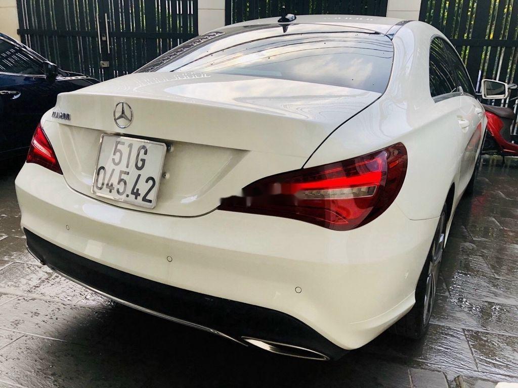Bán Mercedes GLA 200 năm 2018, màu trắng, nhập khẩu   (4)