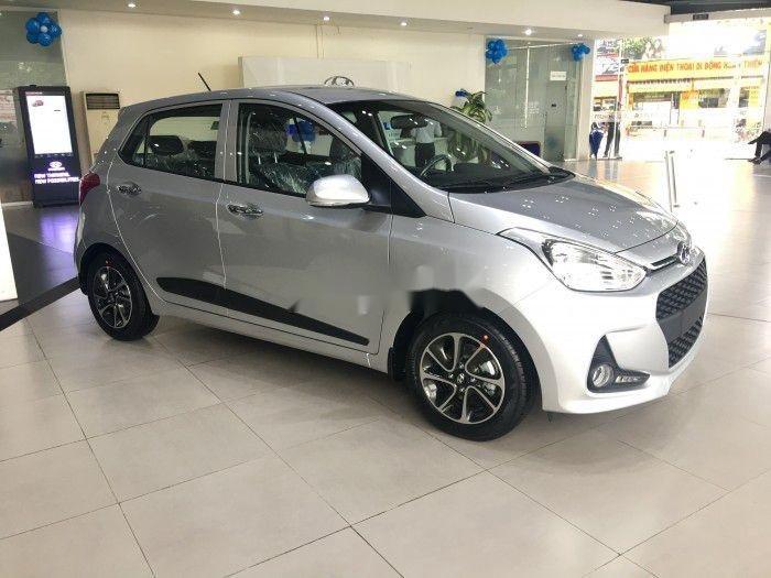 Bán Hyundai Grand i10 2019, màu bạc (1)