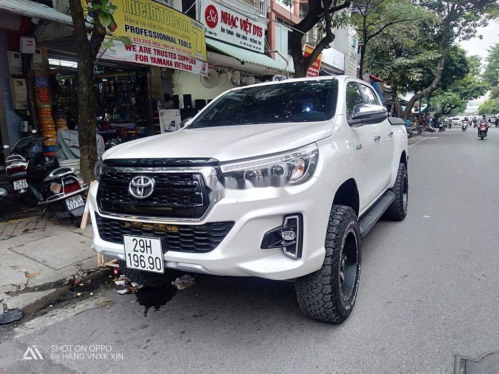 Bán Toyota Hilux sản xuất 2019, nhập khẩu  (1)