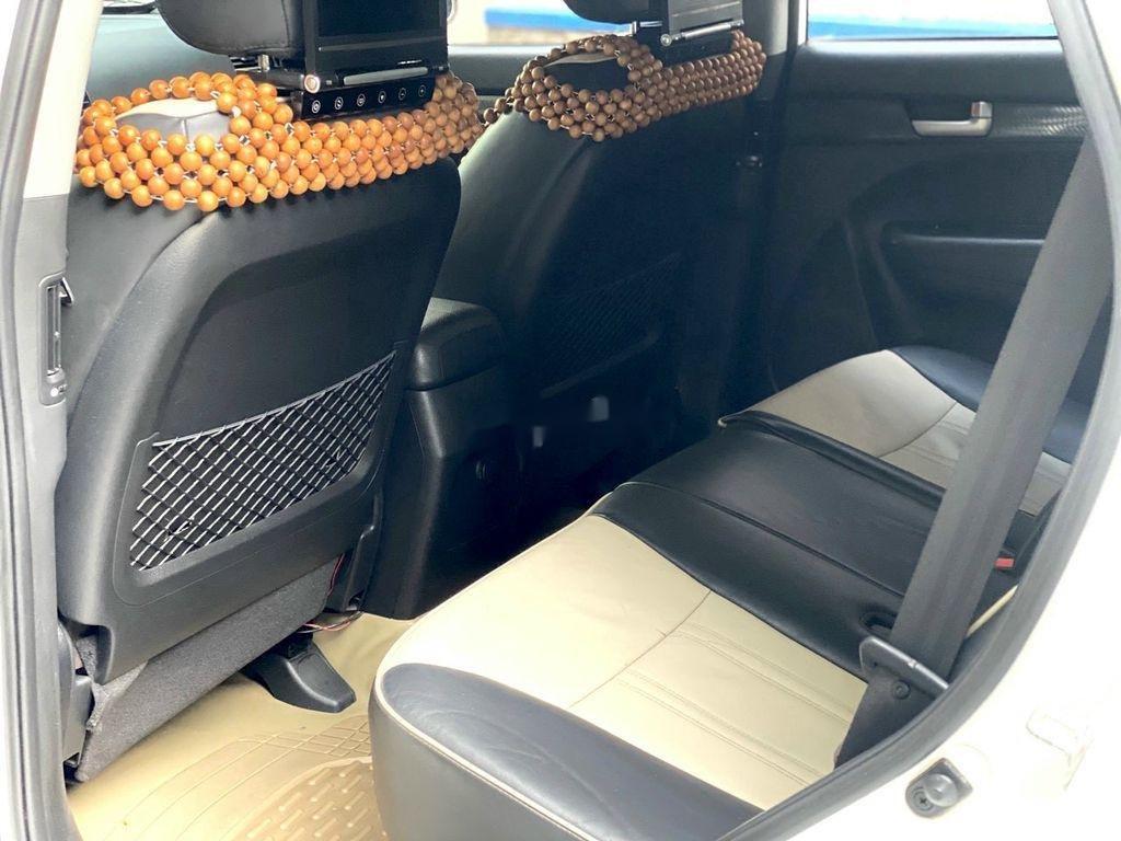 Bán xe Kia Sorento 2012, màu trắng còn mới (5)