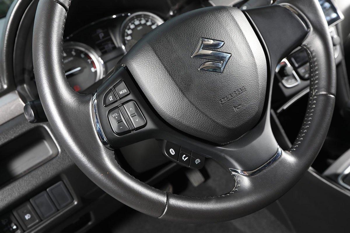 Vô lăng xe Suzuki Ciaz 2020 1