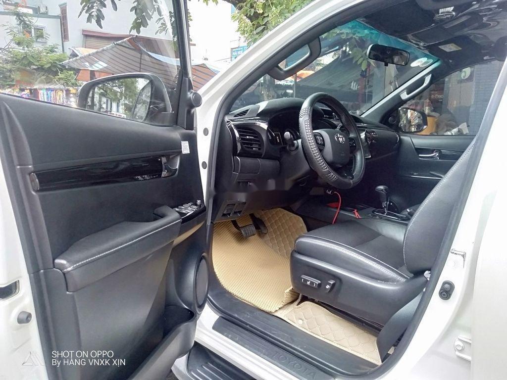 Bán Toyota Hilux sản xuất 2019, nhập khẩu  (3)
