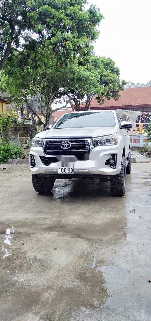 Bán Toyota Hilux sản xuất 2019, nhập khẩu  (6)