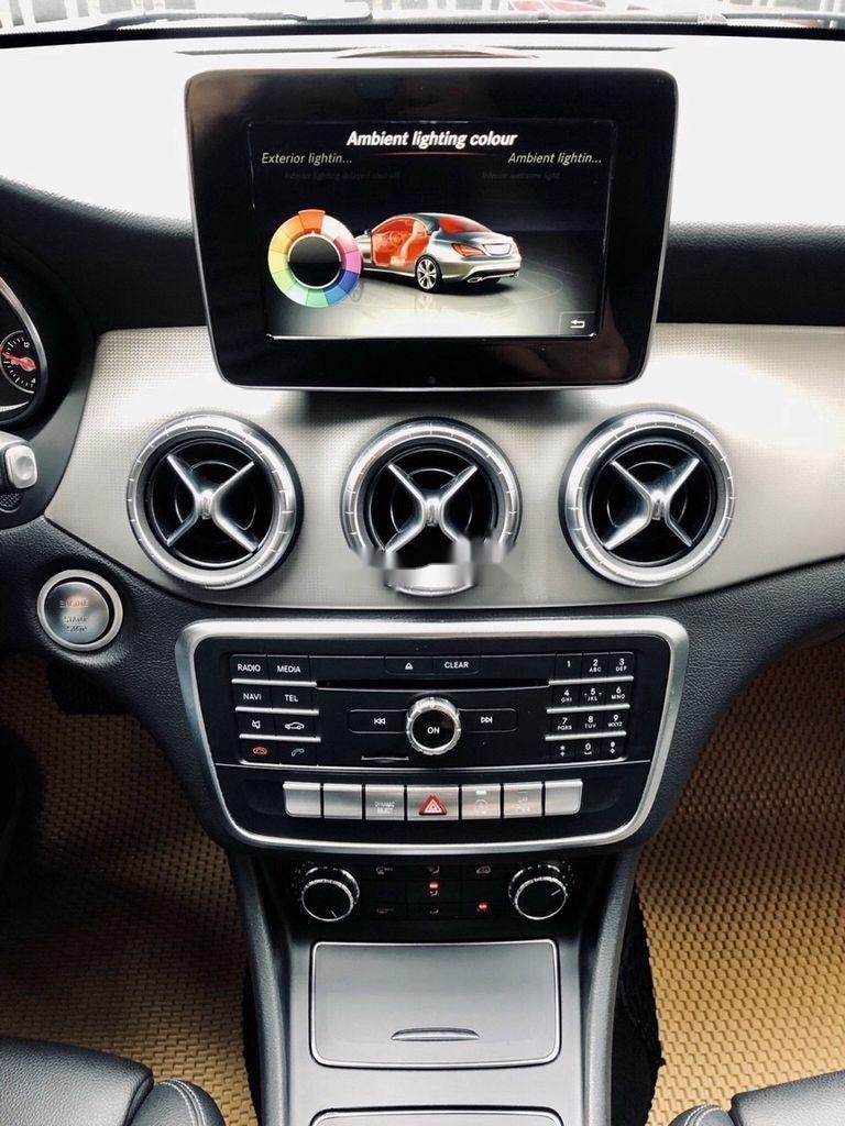 Bán Mercedes GLA 200 năm 2018, màu trắng, nhập khẩu   (9)