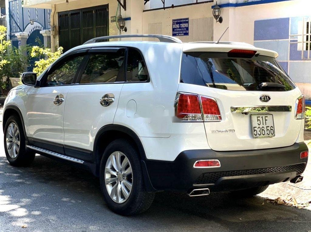 Bán xe Kia Sorento 2012, màu trắng còn mới (3)