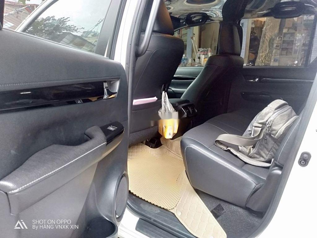 Bán Toyota Hilux sản xuất 2019, nhập khẩu  (4)