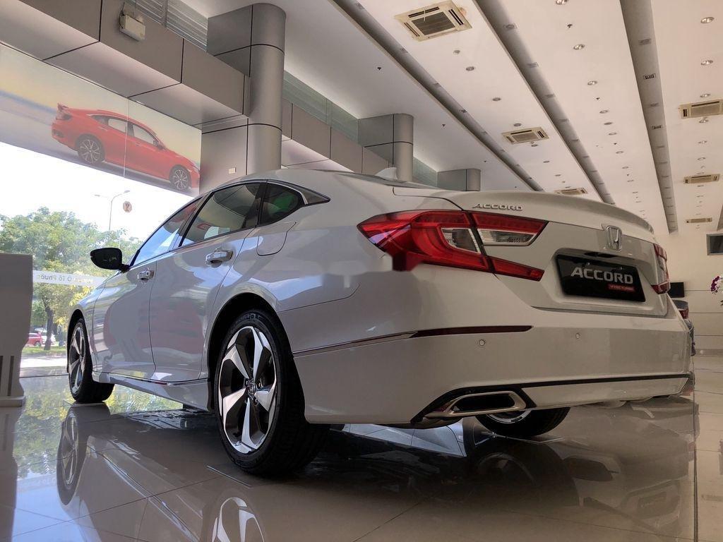 Bán Honda Accord sản xuất năm 2020, màu trắng, nhập, dòng xe đẳng cấp (4)