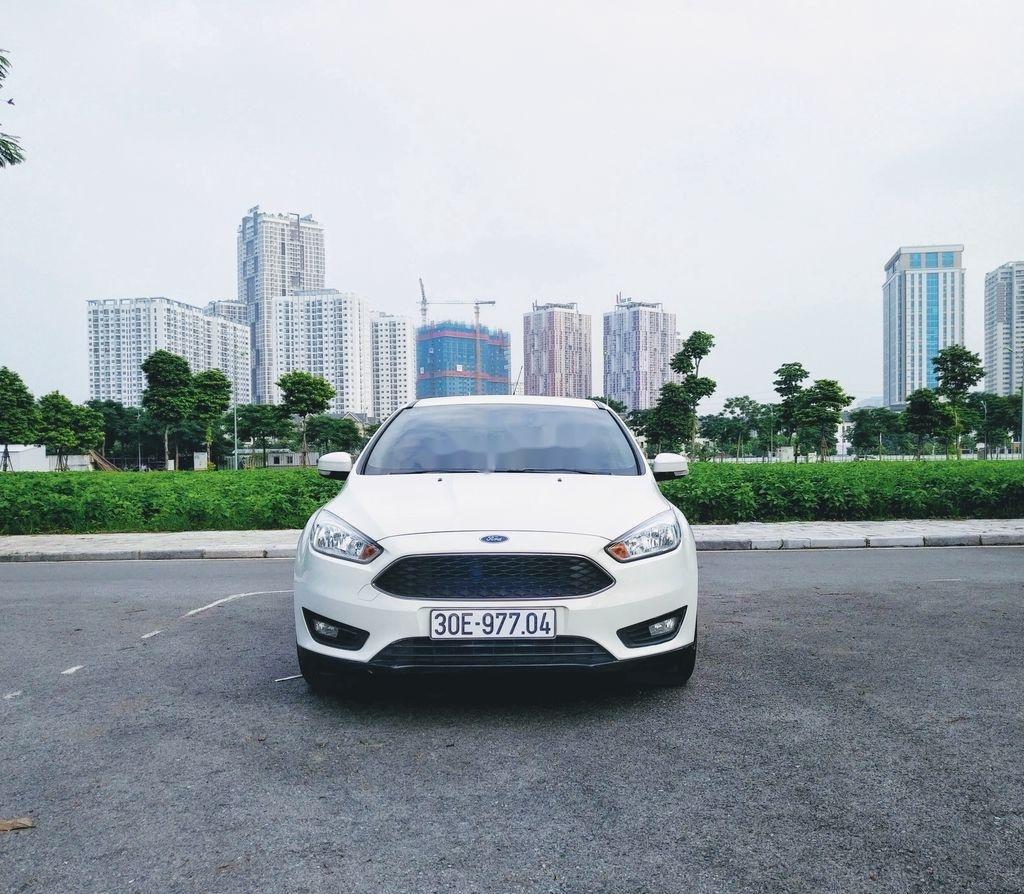 Bán ô tô Ford Focus năm sản xuất 2017, màu trắng, giá tốt (2)