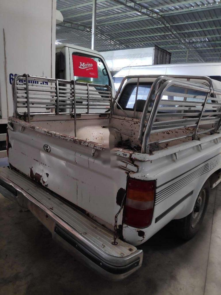 Bán xe Toyota Hilux năm sản xuất 2000, xe nhập (4)