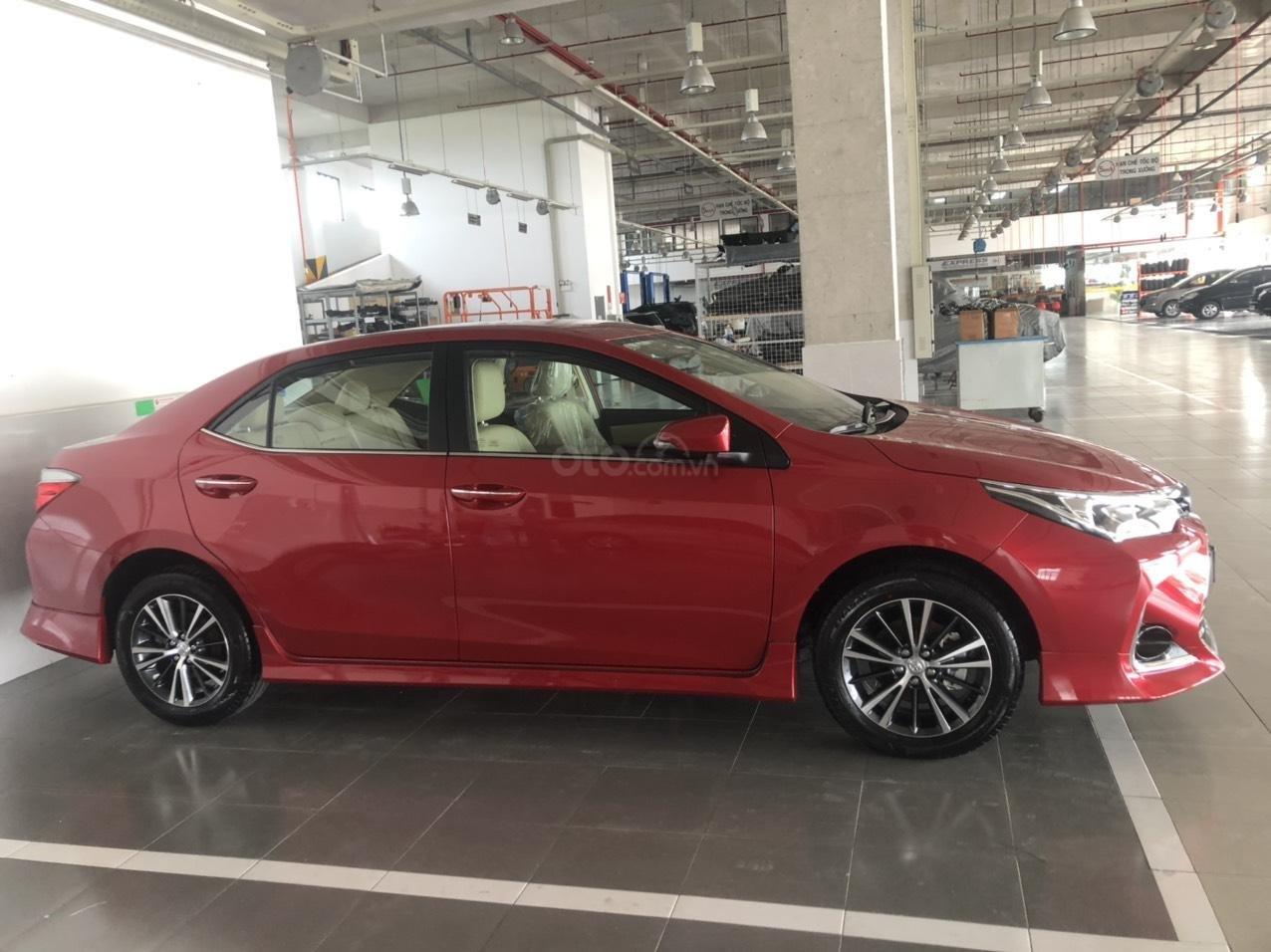 Toyota Corolla Altis 1.8 màu đỏ model 2021, 733 triệu (4)
