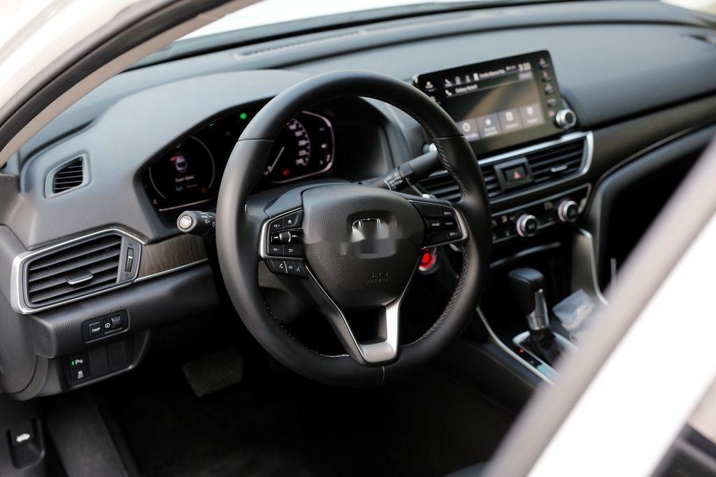 Bán Honda Accord sản xuất năm 2020, màu trắng, nhập, dòng xe đẳng cấp (11)