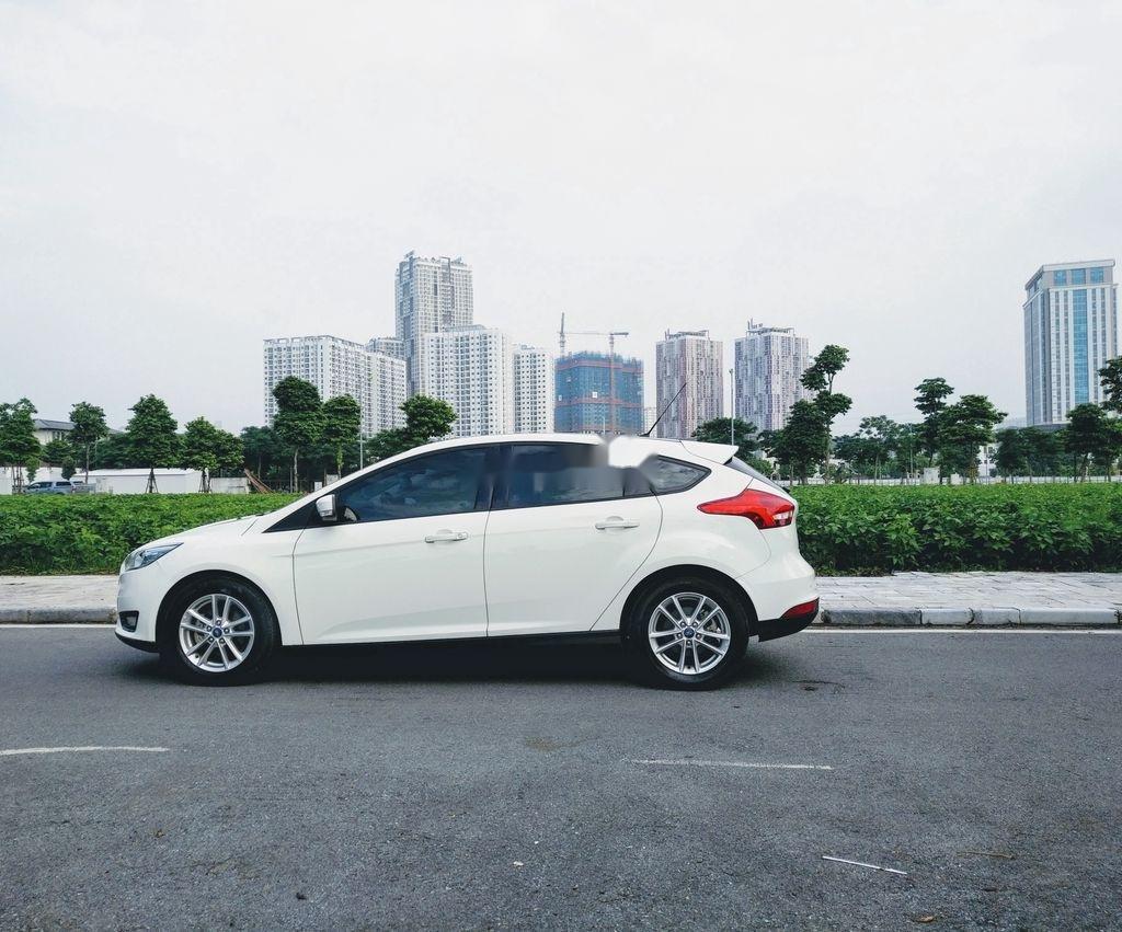 Bán ô tô Ford Focus năm sản xuất 2017, màu trắng, giá tốt (1)