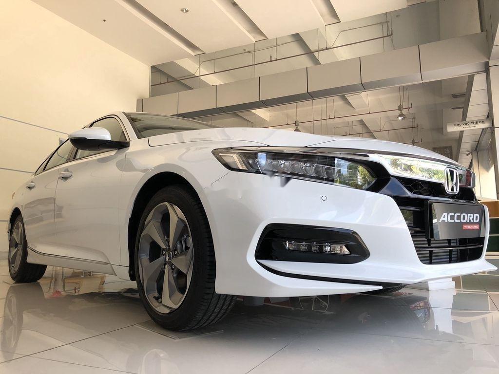 Bán Honda Accord sản xuất năm 2020, màu trắng, nhập, dòng xe đẳng cấp (3)