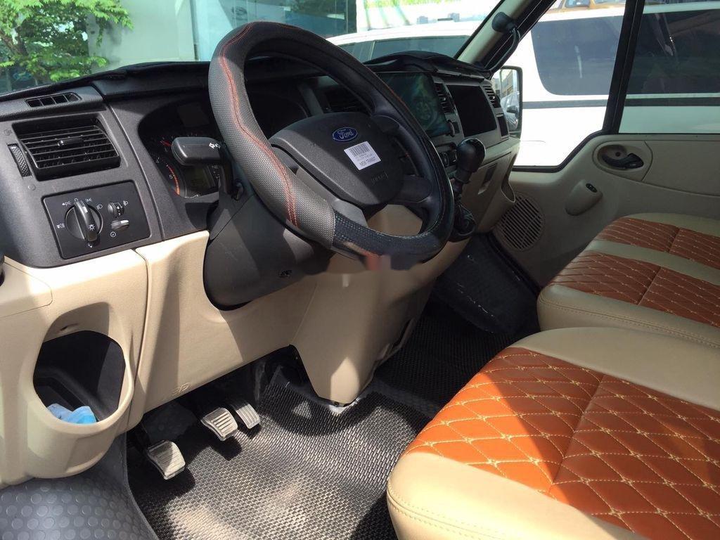 Bán Ford Transit đời 2020, xe như mới (7)