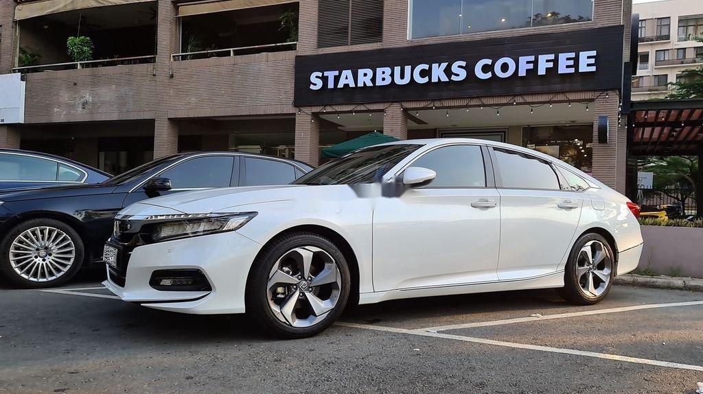 Bán Honda Accord sản xuất năm 2020, màu trắng, nhập, dòng xe đẳng cấp (1)