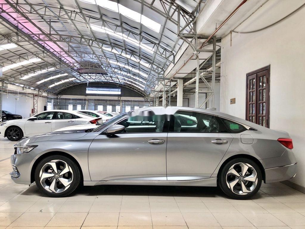 Bán Honda Accord sản xuất năm 2020, màu trắng, nhập, dòng xe đẳng cấp (8)