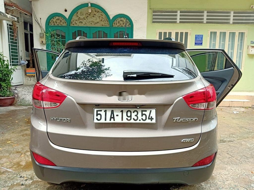 Cần bán Hyundai Tucson 2011, màu xám, nhập khẩu nguyên chiếc chính chủ (2)