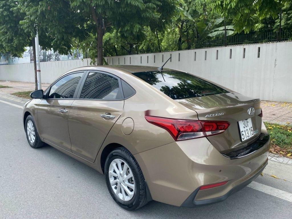 Cần bán lại xe Hyundai Accent 1.4 AT đời 2018, màu vàng cát (4)