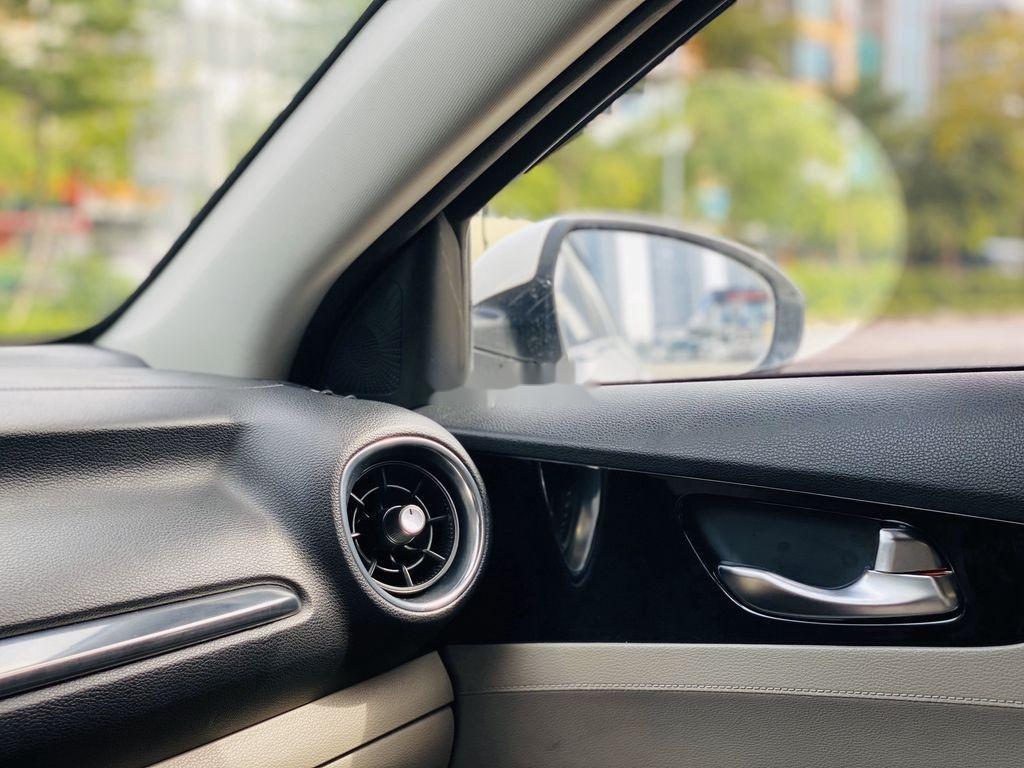 Cần bán Kia Cerato năm 2019, màu trắng (10)