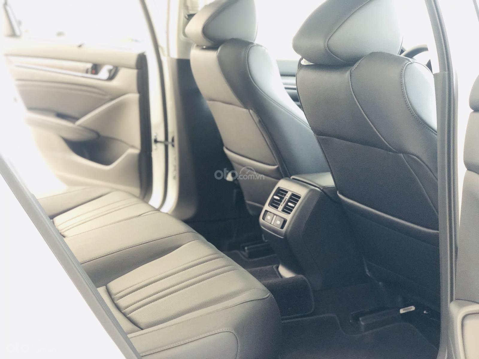 Honda Accord giảm ngay 120tr tiền mặt - ưu đãi và quà tặng hấp dẫn - hỗ trợ trả góp lãi suất ưu đãi (8)