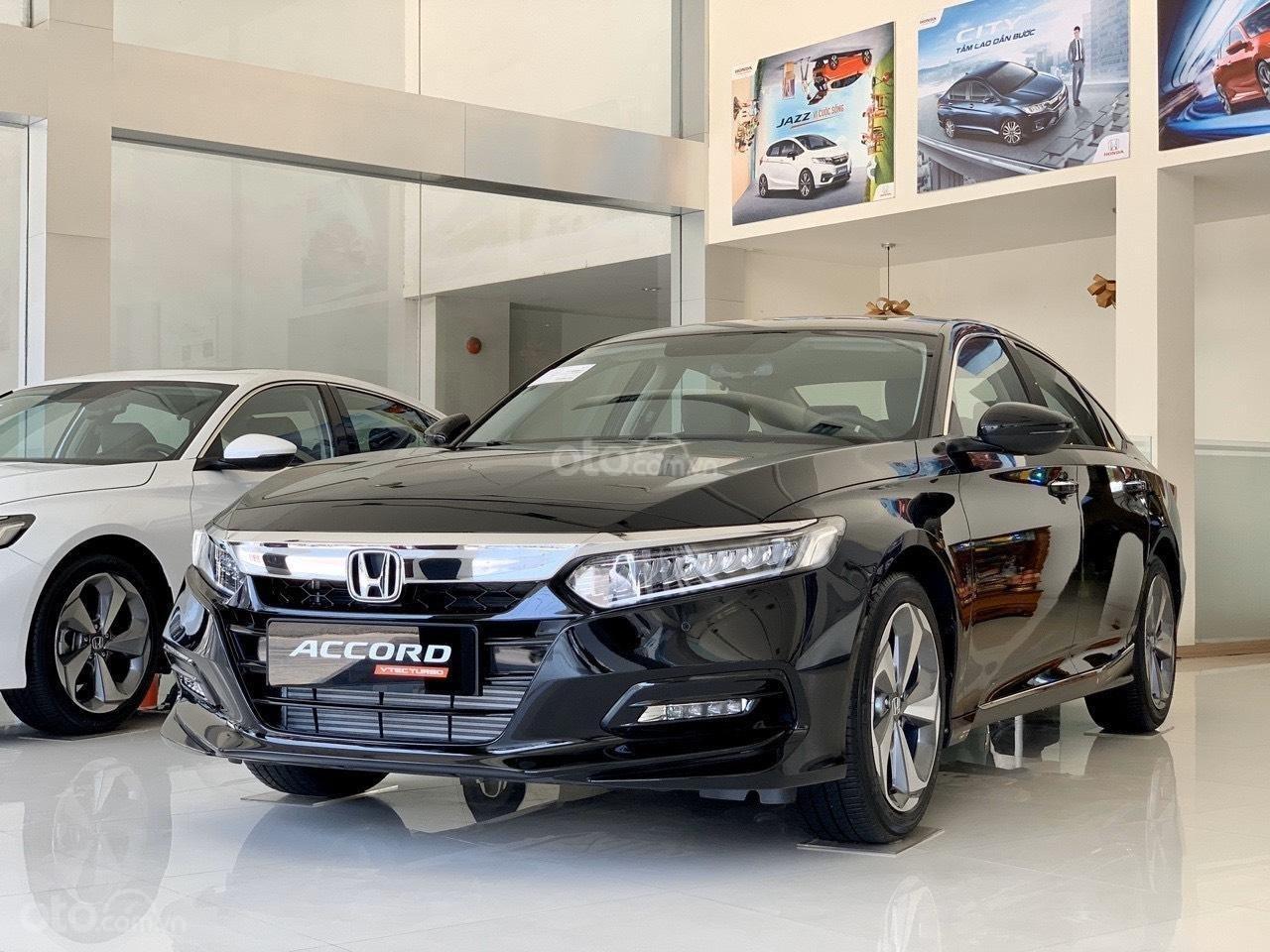 Honda Accord giảm ngay 120tr tiền mặt - ưu đãi và quà tặng hấp dẫn - hỗ trợ trả góp lãi suất ưu đãi (2)