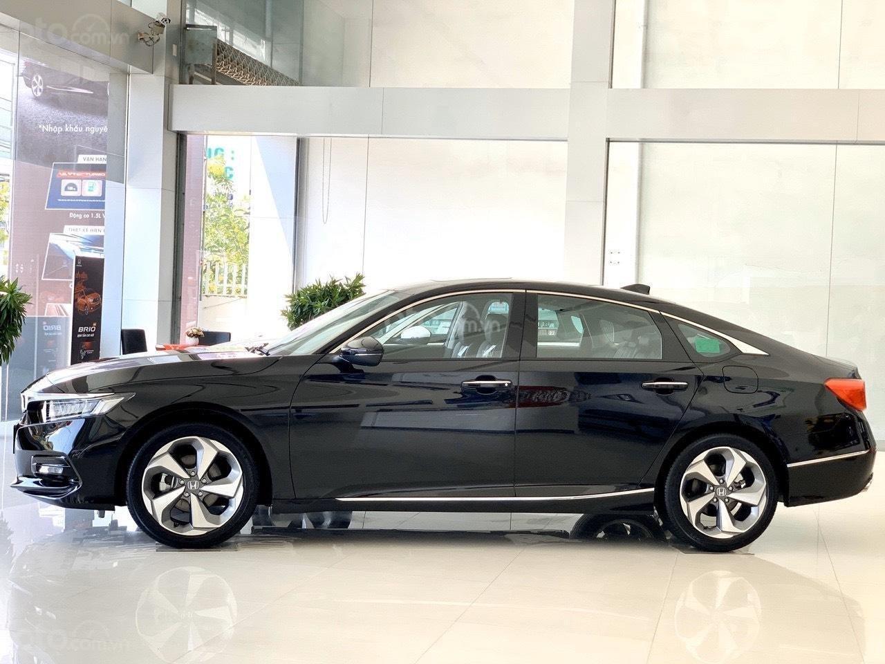 Honda Accord giảm ngay 120tr tiền mặt - ưu đãi và quà tặng hấp dẫn - hỗ trợ trả góp lãi suất ưu đãi (3)