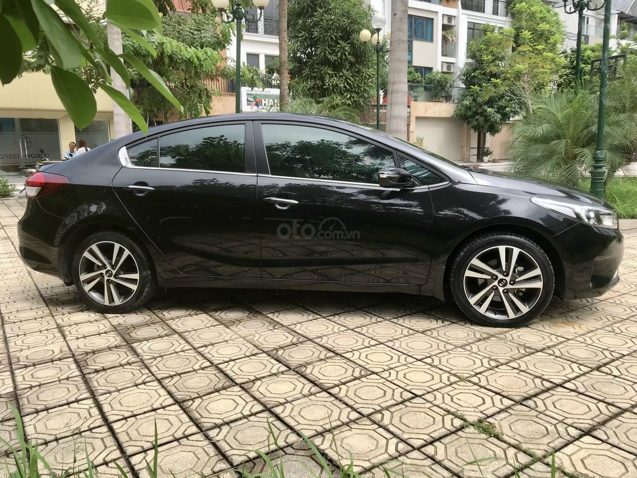 Cần bán lại xe Kia Cerato đời 2017, màu đen, giá tốt (3)