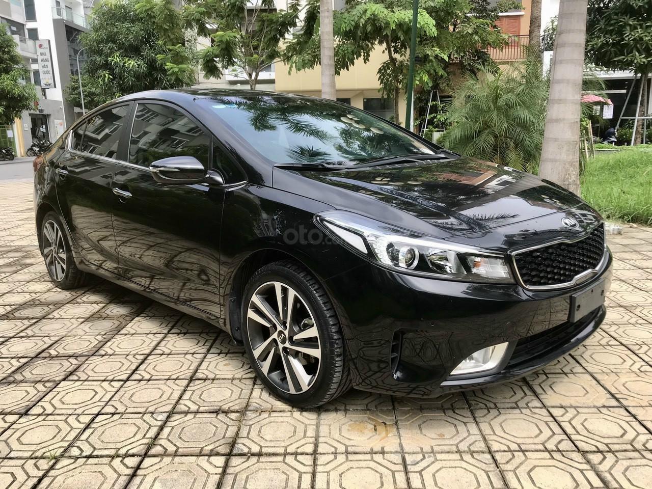 Cần bán lại xe Kia Cerato đời 2017 (7)