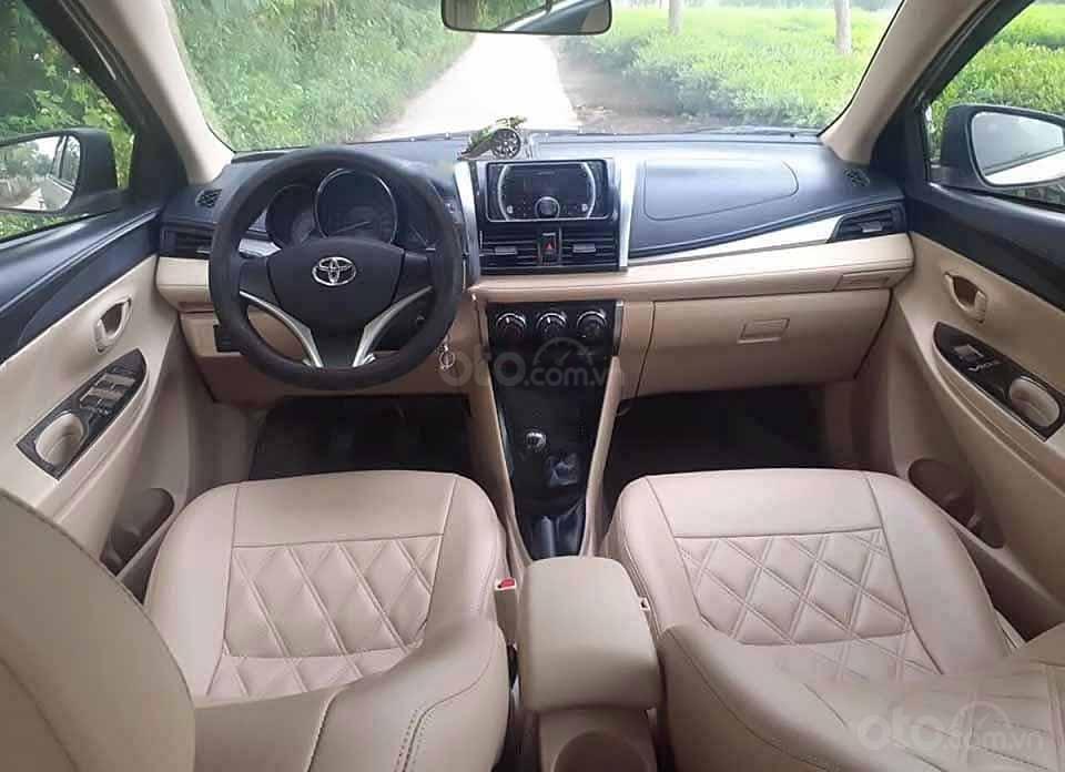 Cần bán lại xe Toyota Vios 1.5E sản xuất 2016, màu vàng cát   (4)