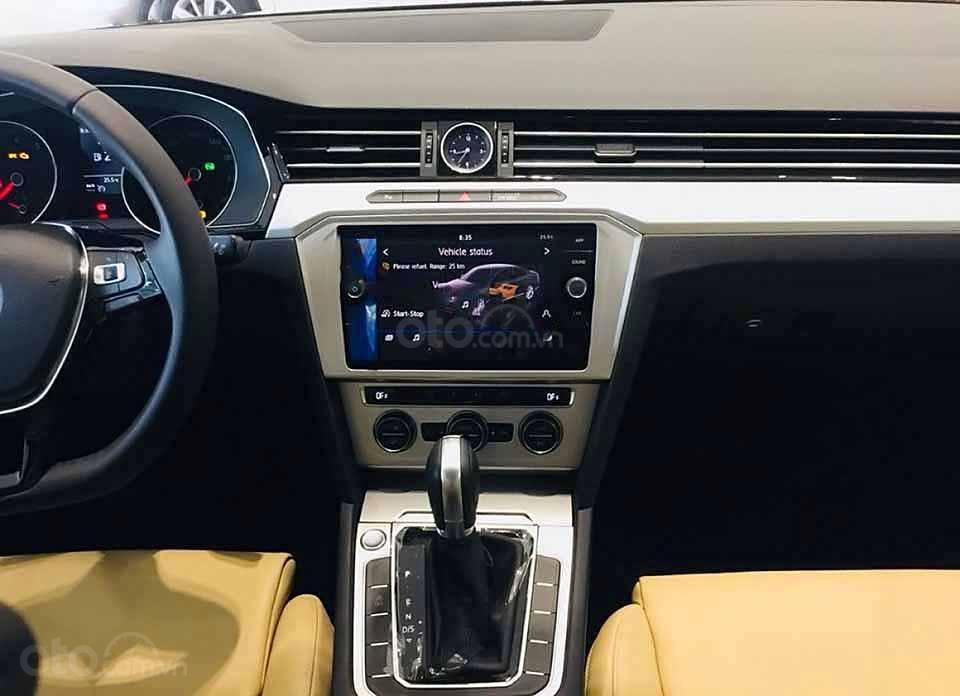 Bán Volkswagen Passat 1.8 Bluemotion 2018, màu đen, nhập khẩu (3)