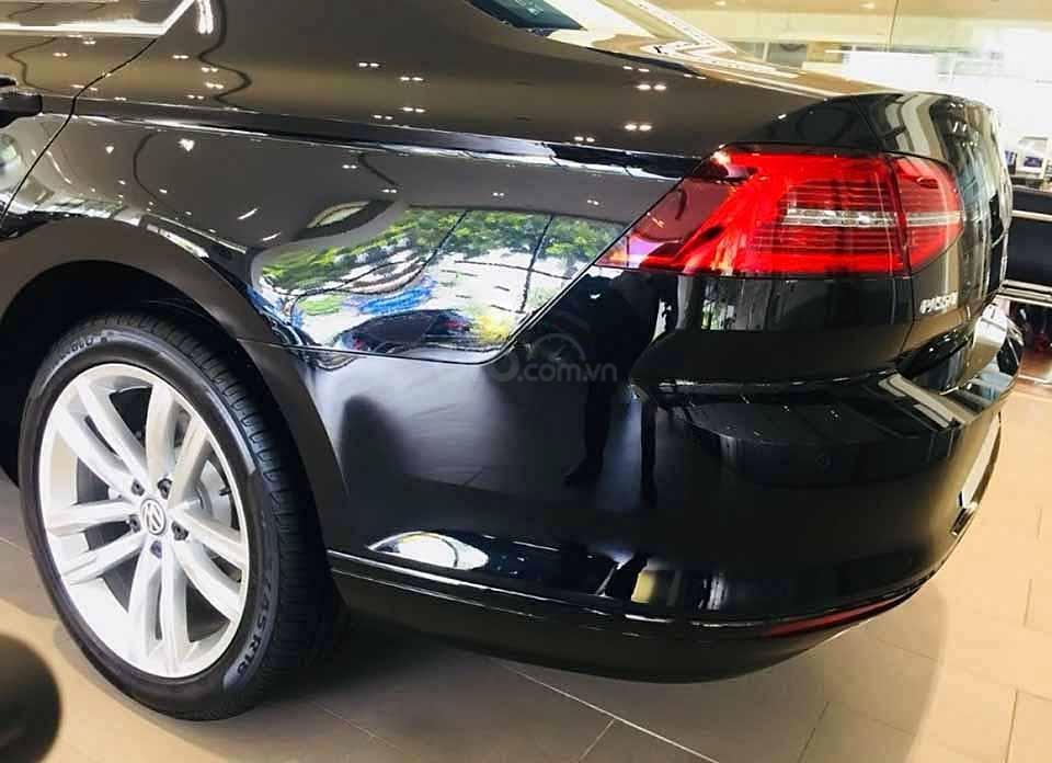 Bán Volkswagen Passat 1.8 Bluemotion 2018, màu đen, nhập khẩu (4)