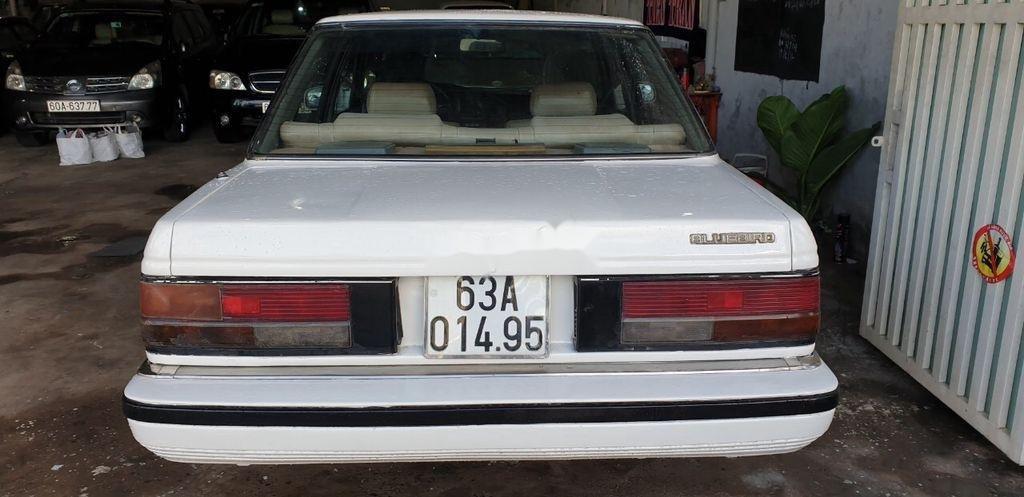 Bán Nissan Bluebird sản xuất 1984, màu trắng, nhập khẩu nguyên chiếc (11)