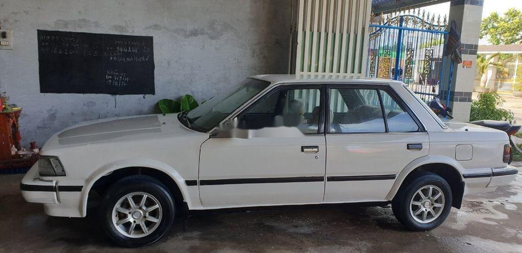 Bán Nissan Bluebird sản xuất 1984, màu trắng, nhập khẩu nguyên chiếc (1)