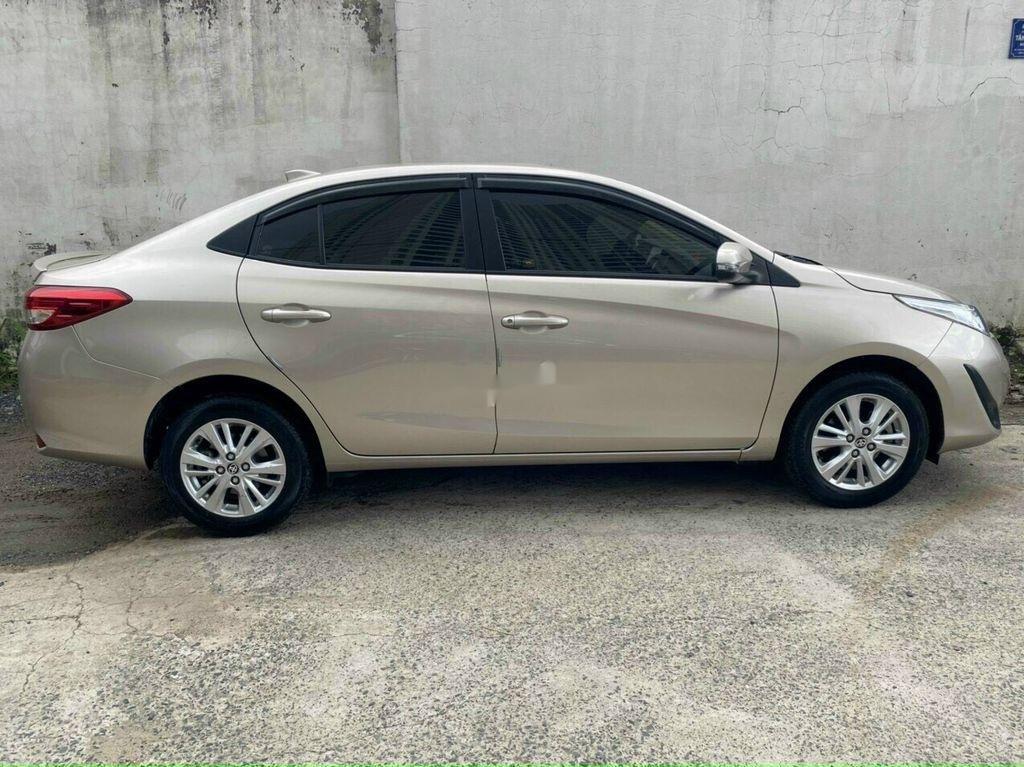 Cần bán Toyota Vios năm 2019, nhập khẩu, màu vàng cát (2)