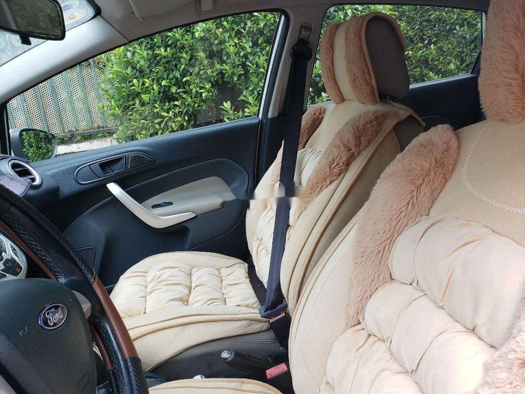 Cần bán xe Ford Fiesta 2011, màu trắng, xe nhập chính chủ, 275tr (4)