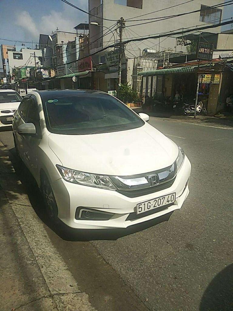 Bán Honda City năm sản xuất 2016, màu trắng chính chủ (4)