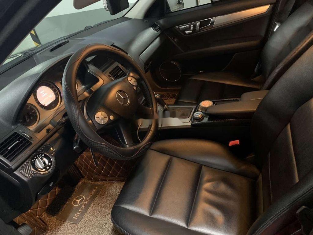 Cần bán gấp Mercedes C230 đời 2009, màu đen còn mới  (4)