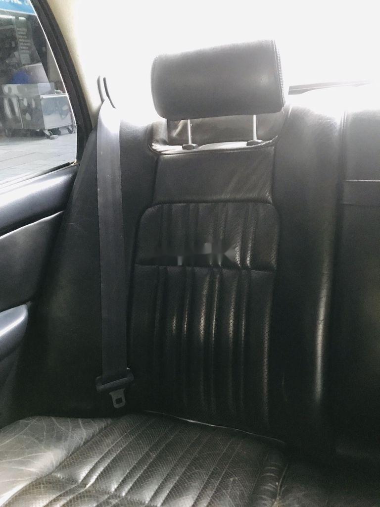 Bán Toyota Crown đời 1993, màu đen, xe nhập (11)