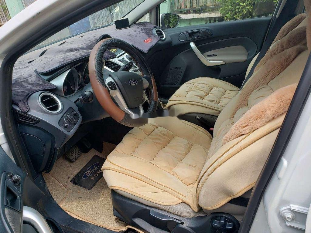 Cần bán xe Ford Fiesta 2011, màu trắng, xe nhập chính chủ, 275tr (5)
